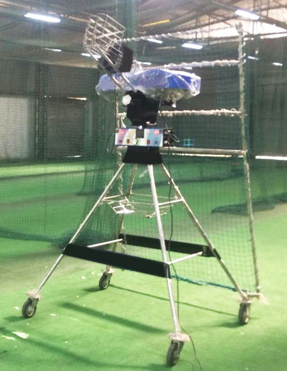 Cricket Bowling Machine LEAGUE MH+